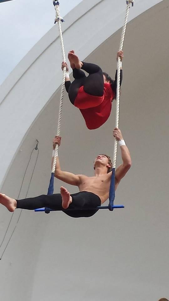 joey trapeze